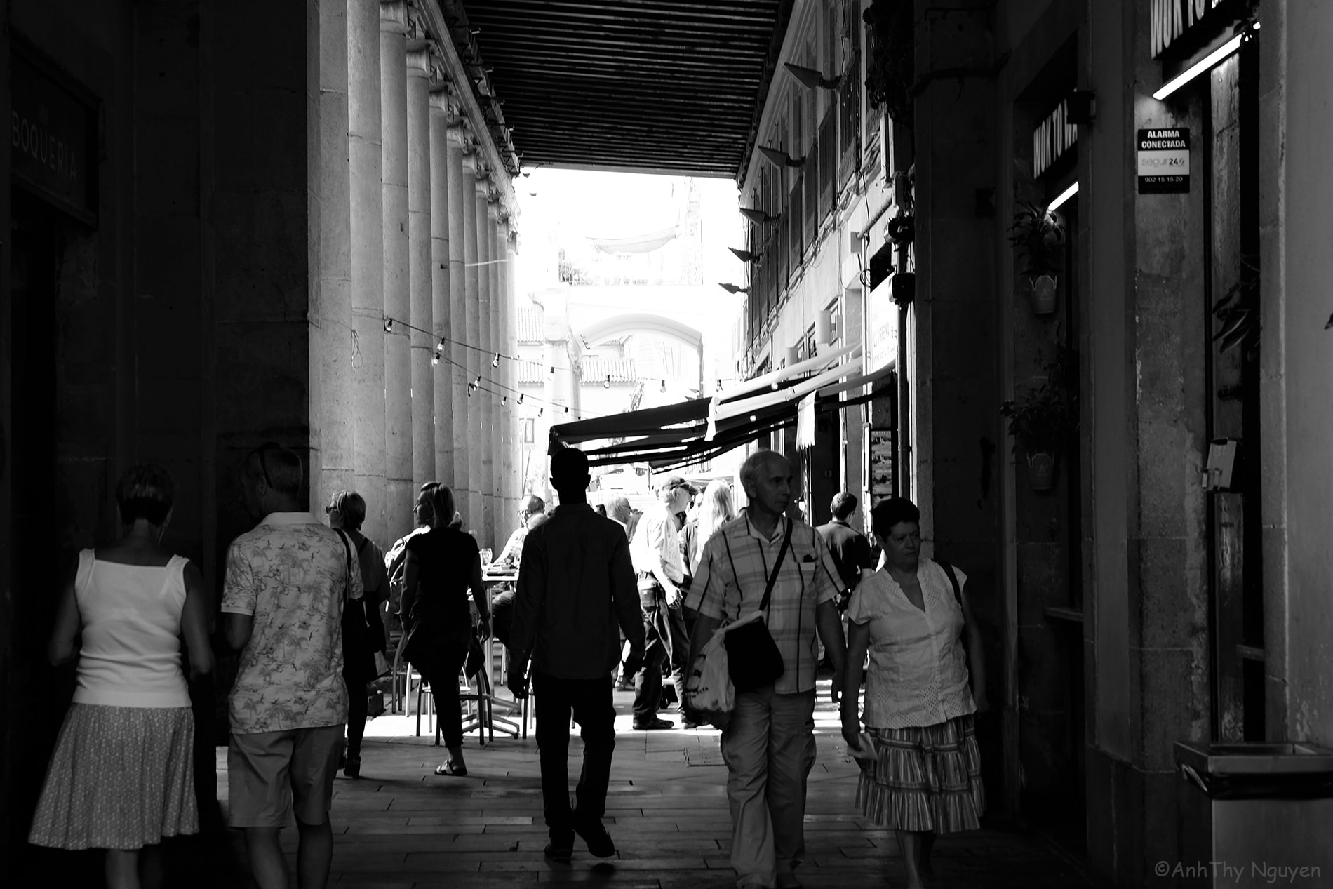 La Boqueria Food Market in black and white 2